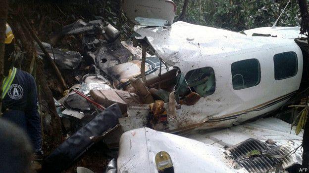 Мать и младенец выжили в авиакатастрофе