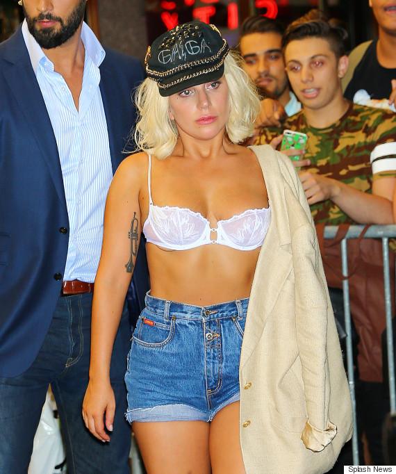 Леди Гага продолжает шокировать фанатов