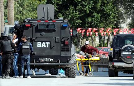 Террористы обстреляли 2 отеля в Тунисе: десятки убитых