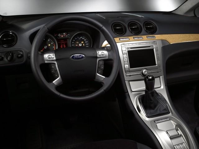 2016-Ford-Galaxy-dash-e1434278364426