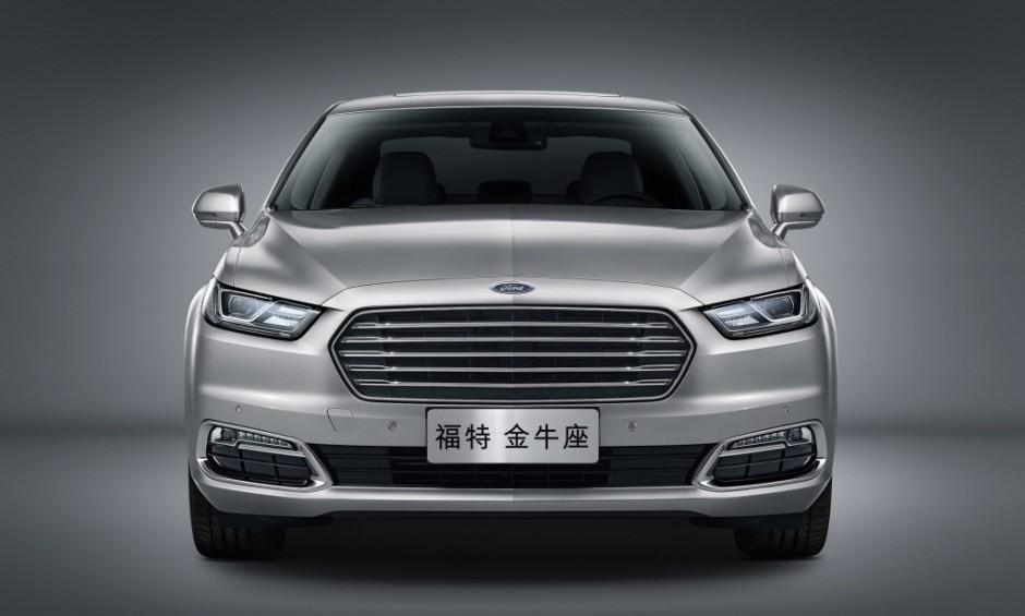 2016-Ford-Taurus-SHO-940x565