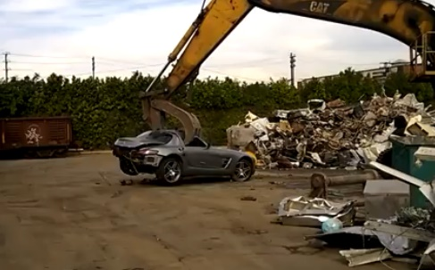 печальная участь Mercedes-Benz SLS AMG
