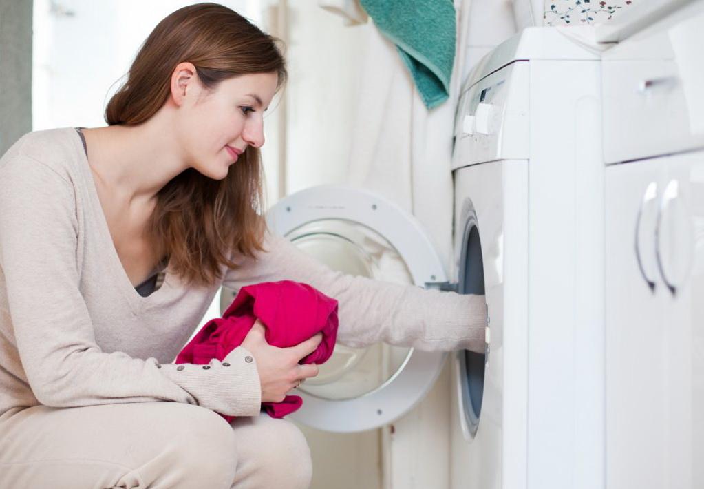 Как справиться с пятнами на одежде малыша