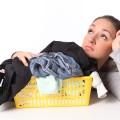 Как отстирать пятна на детской одежде