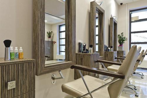 Особенности зеркал для парикмахерской