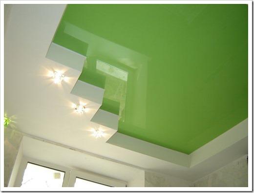 Структура глянцевого потолка