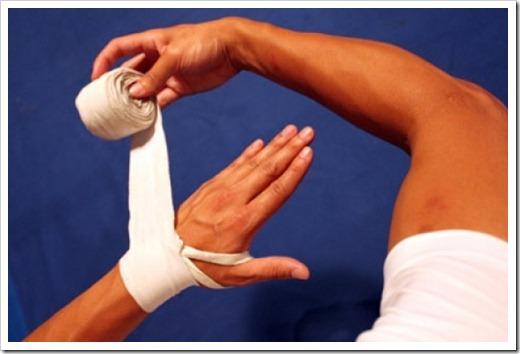 Потливость рук в перчатках: что делать?