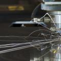 как лазер режет металл