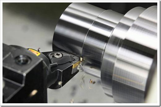 В чём заключается токарная обработка металла?
