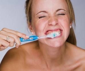Как часто делать чистку зубов