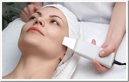 За счёт чего происходит очищение при ультразвуковой чистке лица?